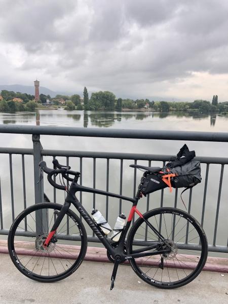 Auf der Neckarbrücke bei Ladenburg