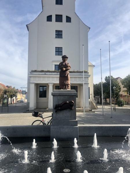 """Denkmal für """"Sabinchen"""" in Treuenbritzen"""